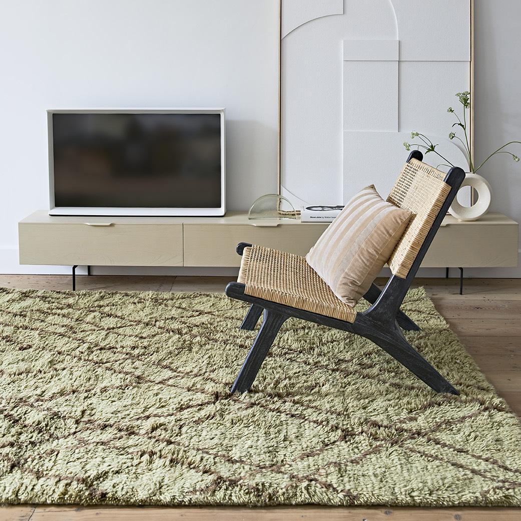 Cadeirão Lux, madeira teca/rattan natural, preto