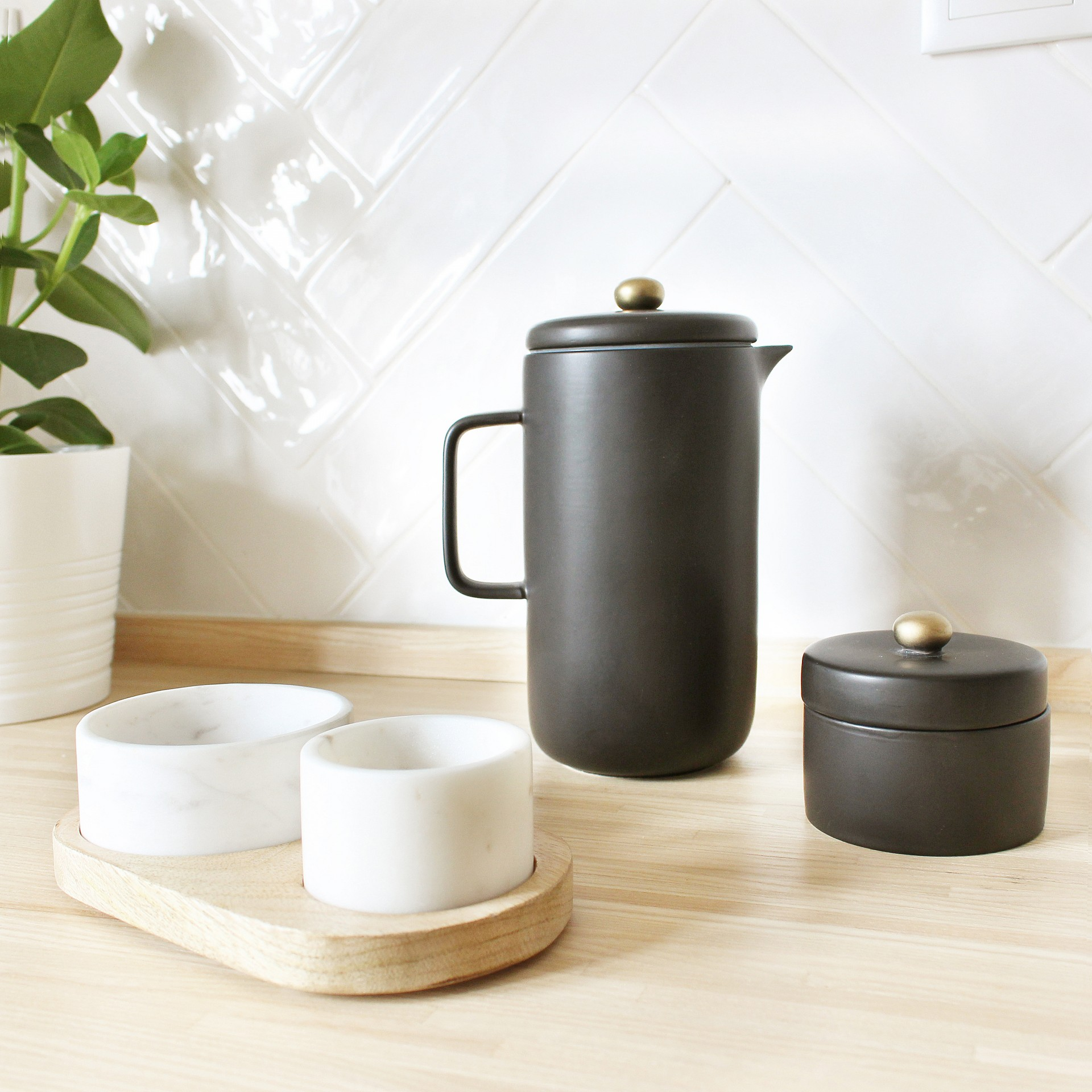 Cafeteira em porcelana, Ø10X20