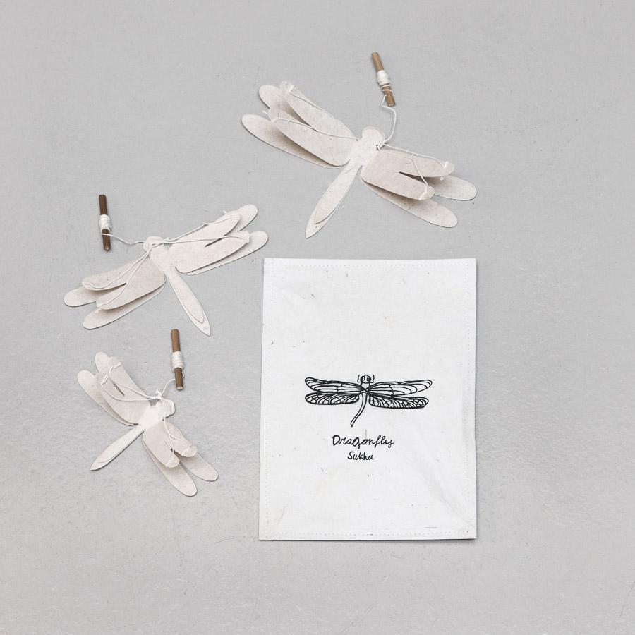 Libélulas em papel Lokta