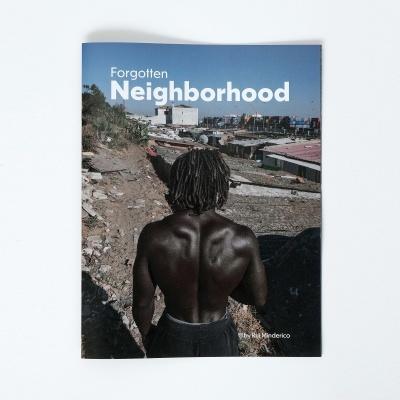 "Livro de fotografia - "" Forgotten Neighborhood"""