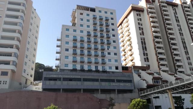 Edifício de Habitação Colectiva e Comércio para Venda