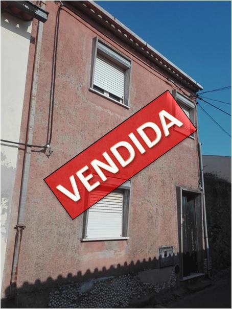 Para Recuperar - Moradia com Terreno na Rocha Nova - Coimbra