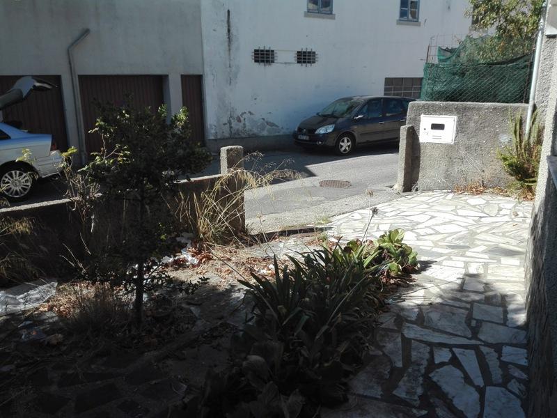 Imóvel do Banco - Moradia T4 c/ Terreno no Centro de Cantanhede