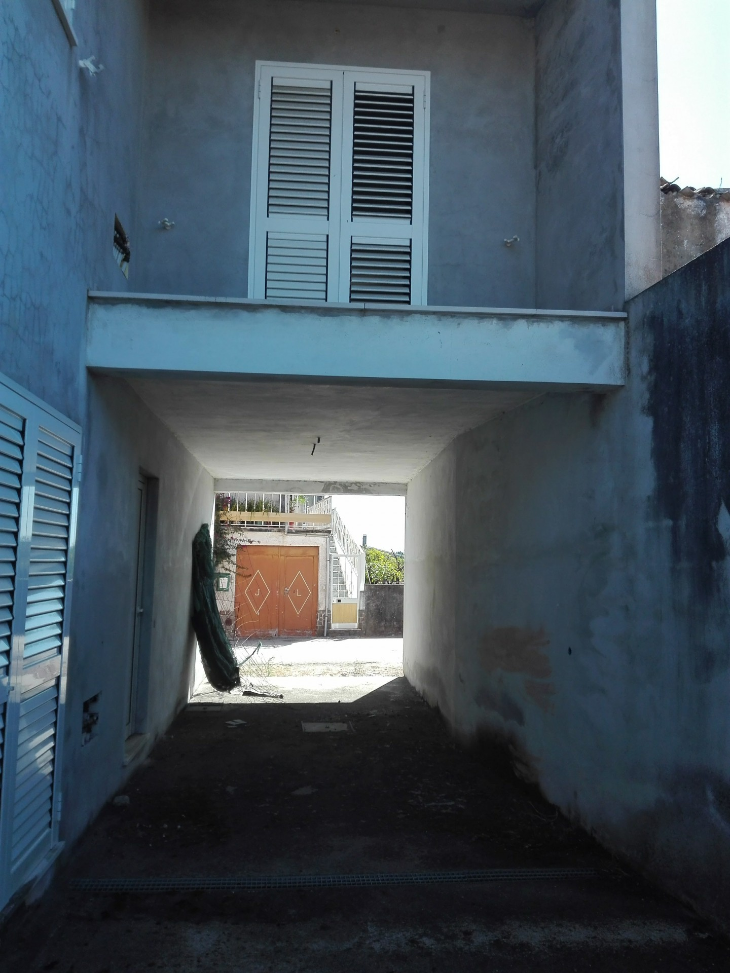 Imóvel do Banco - Moradia T4 Inacabada no Zambujal