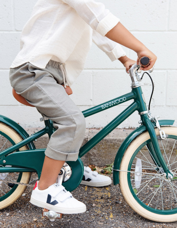 CLASSIC BICYCLE   GREEN