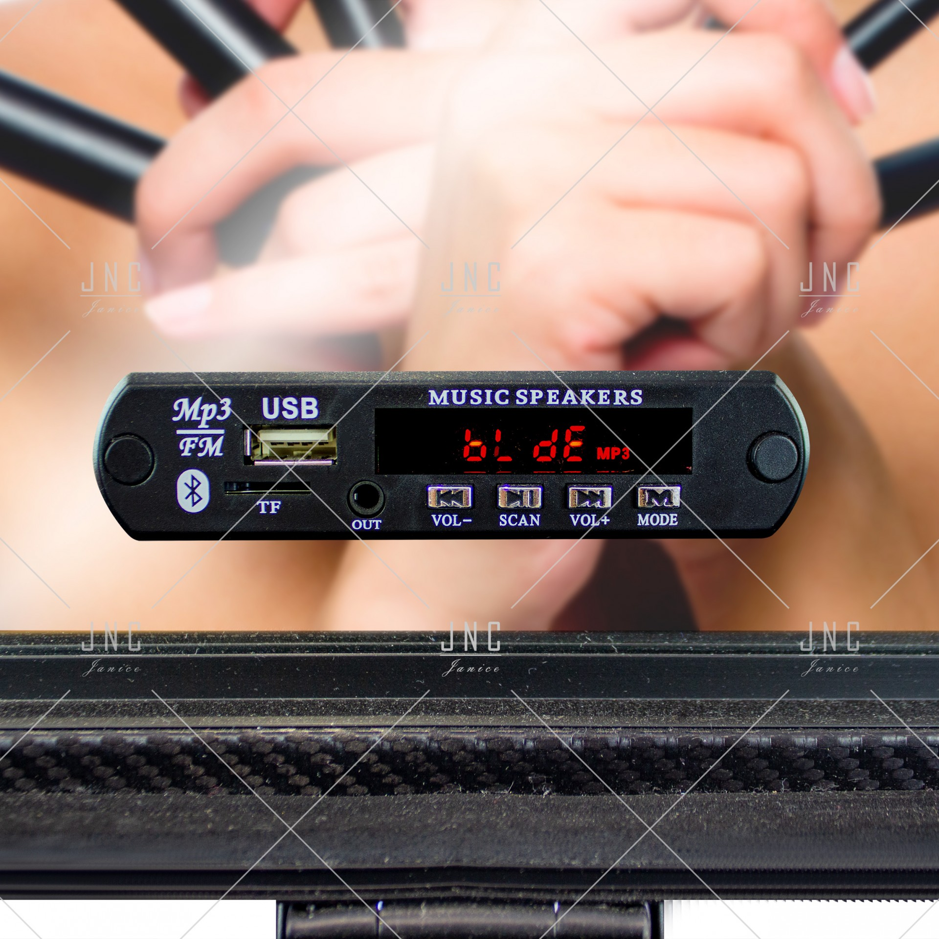 Maleta Maquilhagem Camarim Profissional | Bluetooth - USB - Rádio