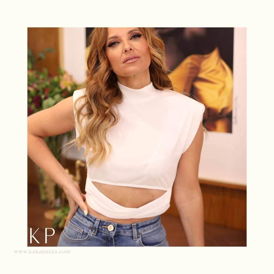 T-shirt Cropped Ombros
