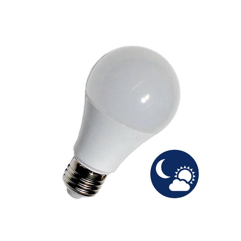 Lâmpada LED E27 10W A60 CREPUSCULAR