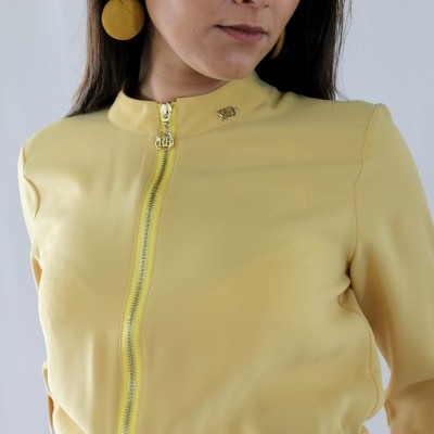 Macacão amarelo Roberta Biagi