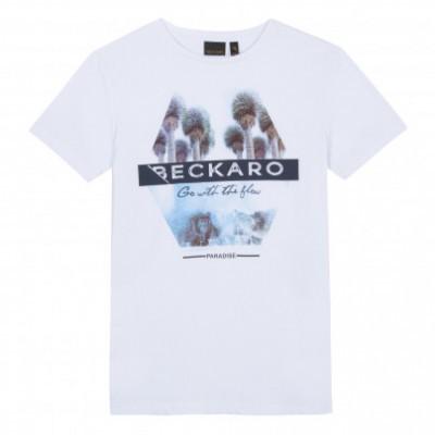 T-shirt branca Beckaro
