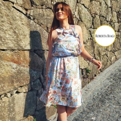 Vestido curto padrão florido Roberta Biagi