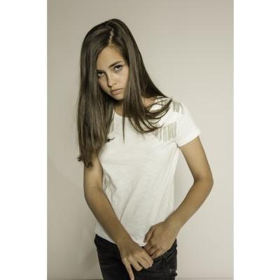 T-shirt branca com fios prata nos ombros Beckaro