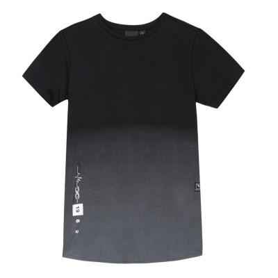 T-shirt preta Beckaro