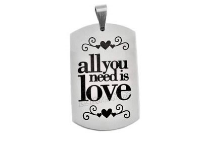 "Chapa Estilo Militar ""all you need is love"""