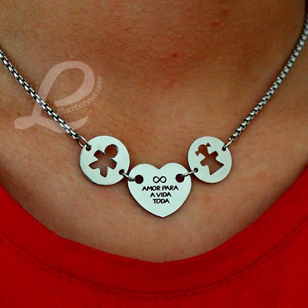 Colar Coração Personalizado + Medalhas com Silhuetas Recortadas