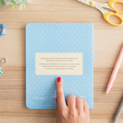 Caderno com notas adesivas   A vida é um prazer...