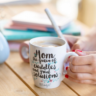 Caneca | Mom the queen of cuddles and great solutions