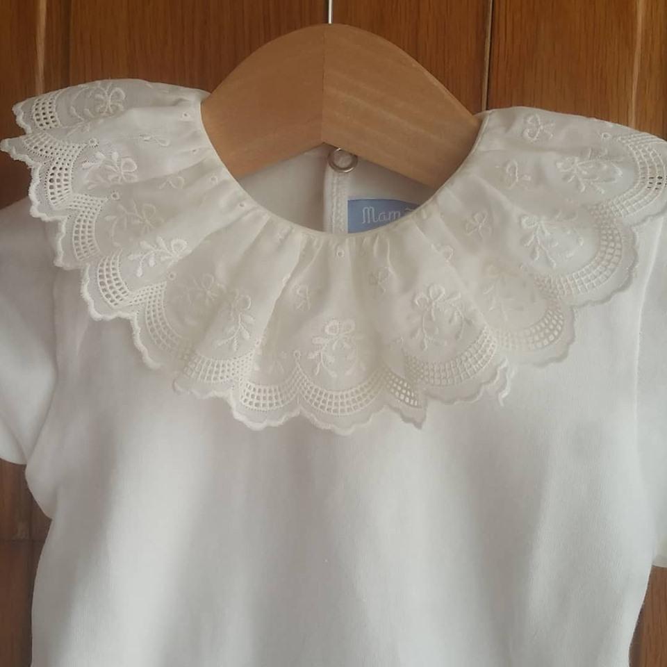 Bordado inglês lacinhos branco ou cru manga comprida