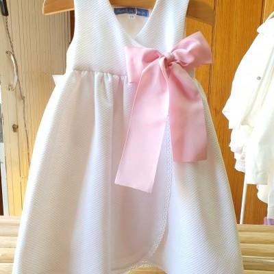 Cueiro branco com laço rosa