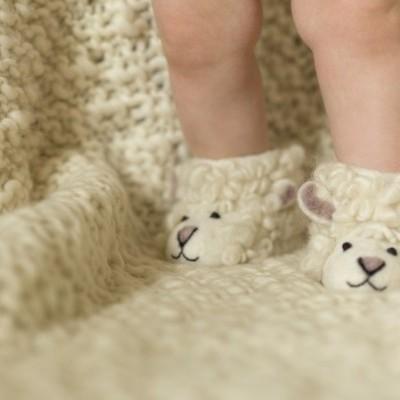 Sew Heart Felt - Pantufas (1-2 anos) Shirley Sheep