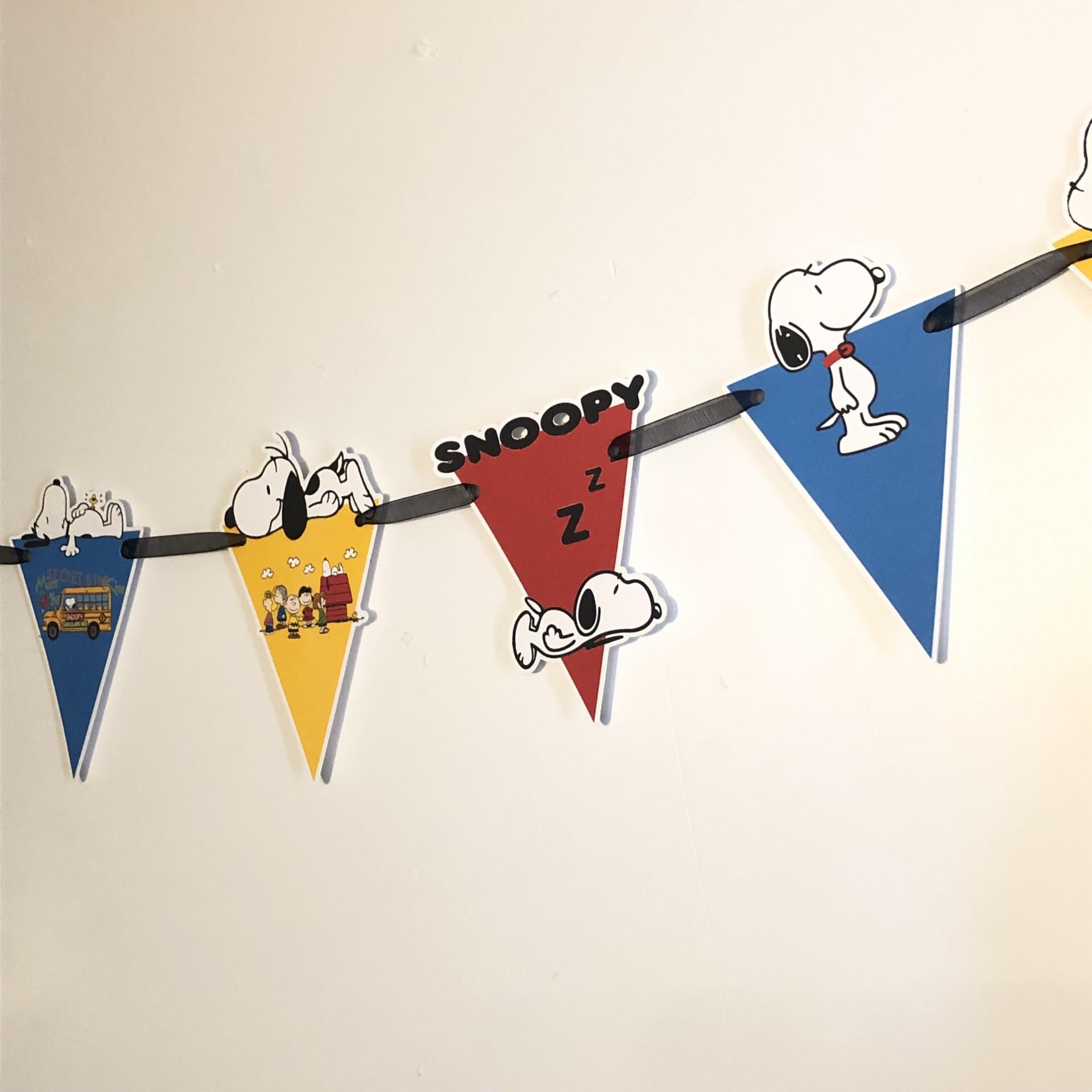 Grinalda de Bandeirolas Snoopy