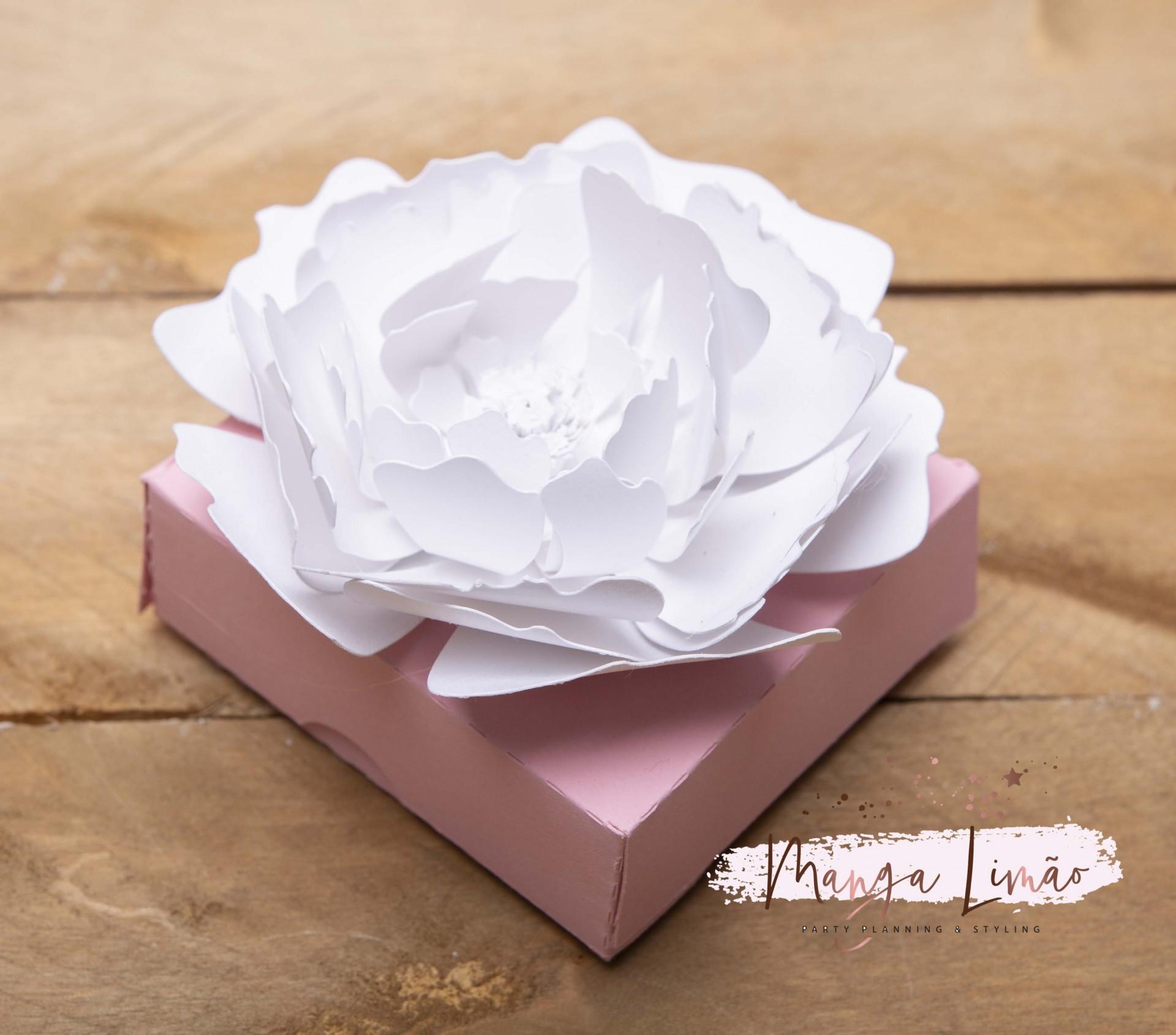 Caixa com flor 3D