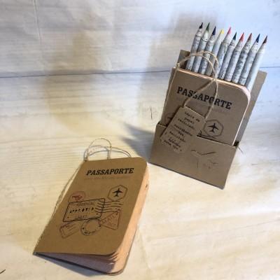 Conjunto lápis de cor e bloco reciclado