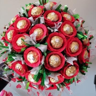 Gigante Bouquet com Bombons Ferrero Rocher