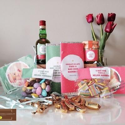Sweet Box para Padrinhos - Cabaz de Páscoa para casal com 74 doces
