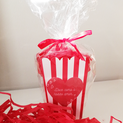 Sweet Basket - 25 Gomas e Chocolates Doces como o Amor...