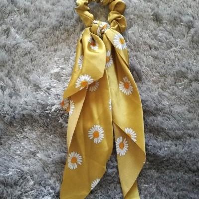Lenço para o Cabelo com Elástico em Amarelo Floral