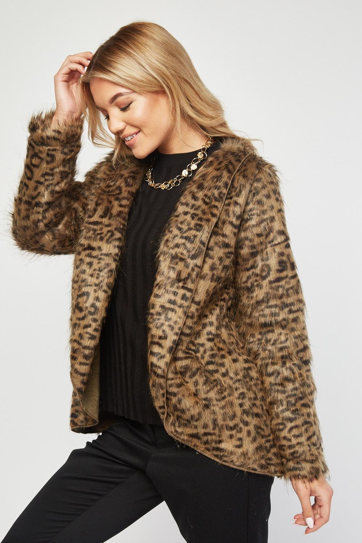Casaco pelo leopardo