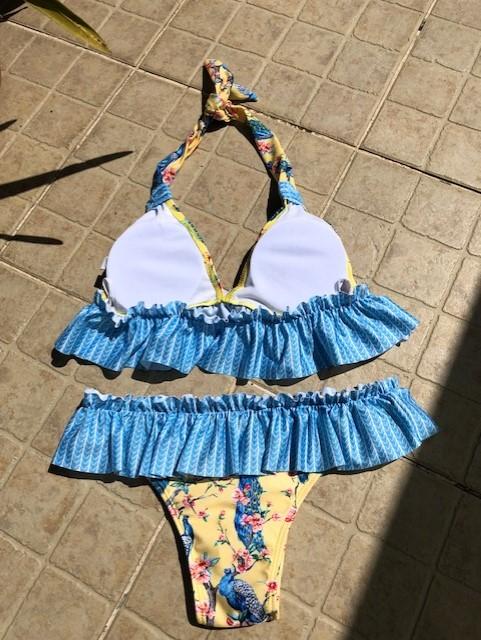 Bikini com folhos - amarelo azul