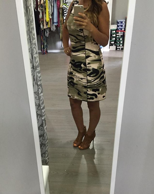 Revenda - Vestido LANÇA PERFUME