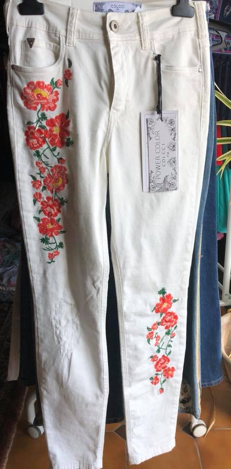 Calças ganga com bordado COLCCI