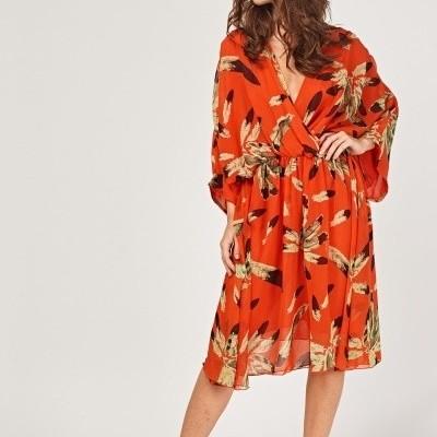 Revenda - Vestido print penas estilo  Kimono