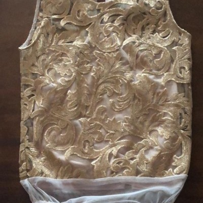 Body forrado com bordado dourado MIVITE