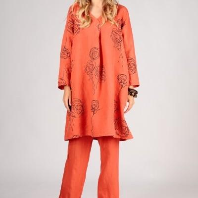 Vestido Laranja com Estampa de Rosas