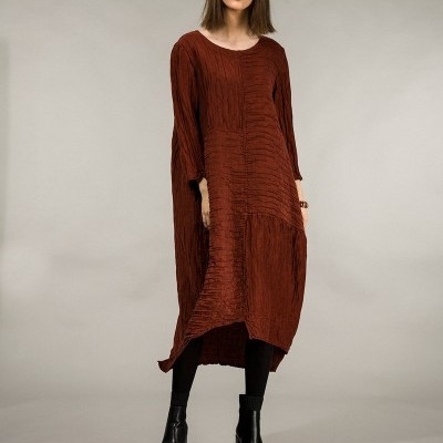 Vestido de Linho de Seda Enferrujado Enrugado