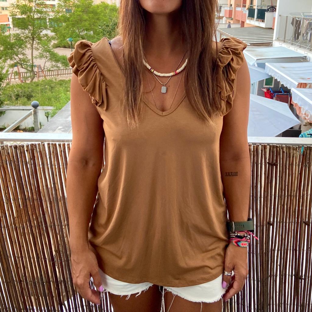 T-Shirt Folhinho no Ombro | Creme