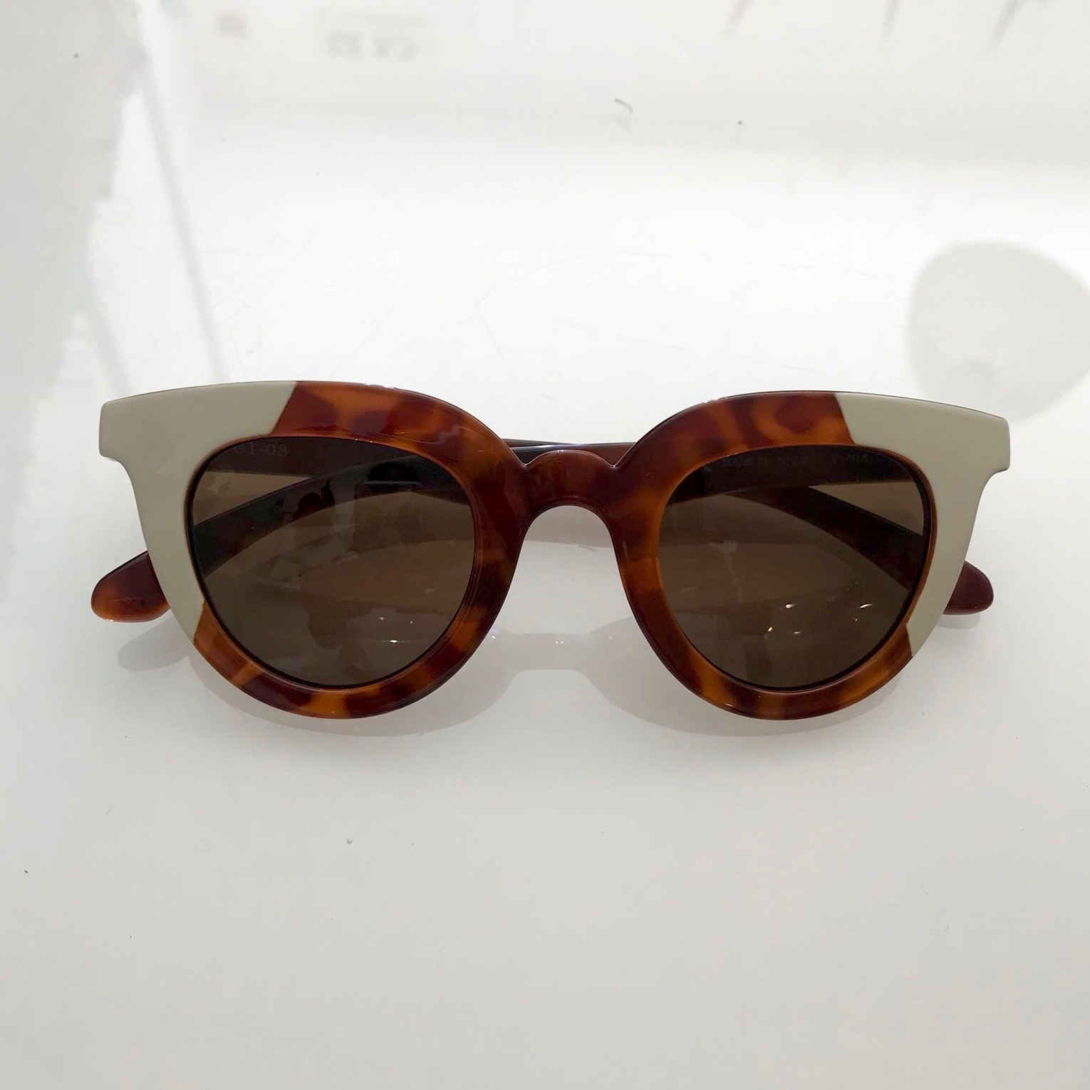 CREM/LEO TORTOISE HAYES WITH CLASSICAL LENSES