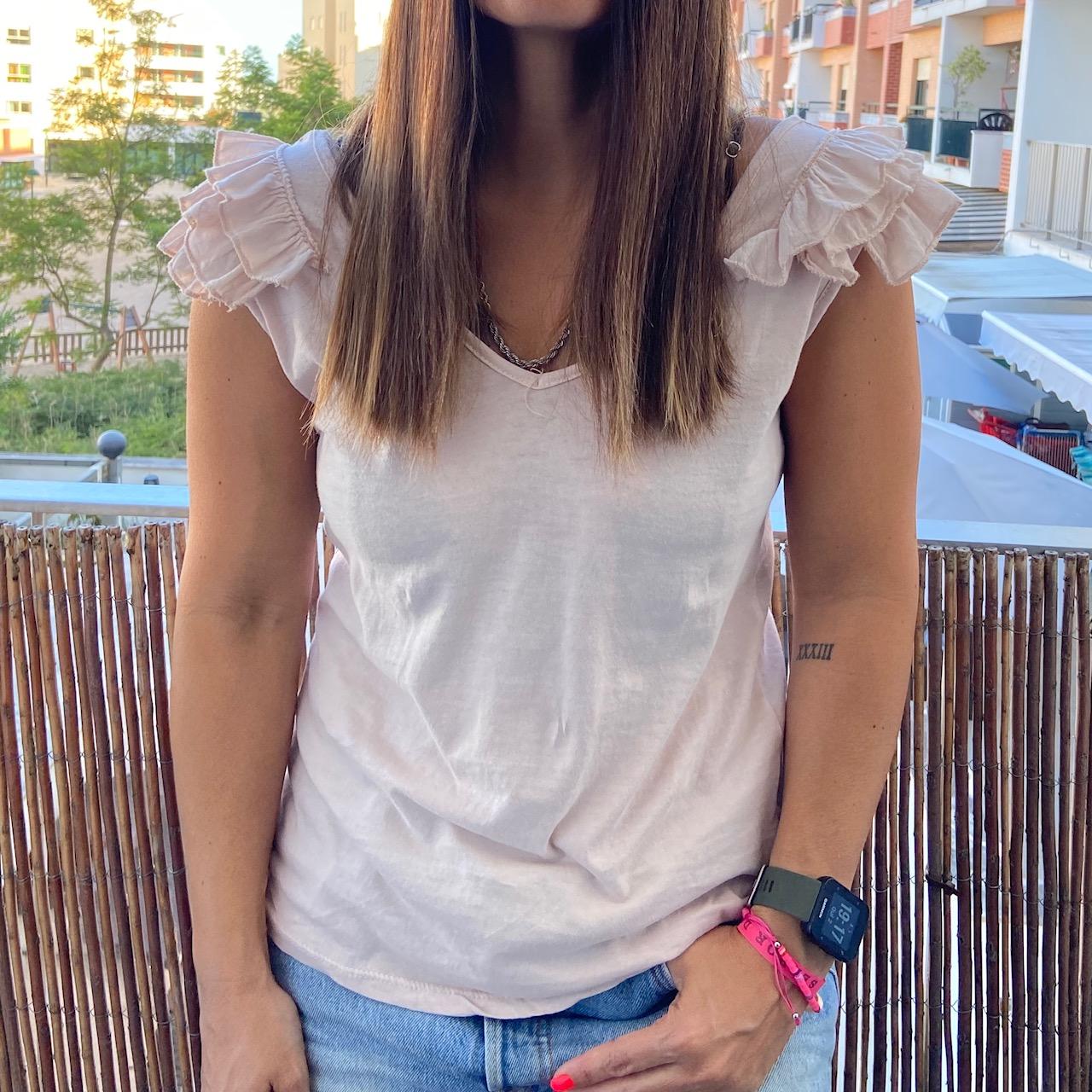 T-Shirt folhinhos ombro | Nude