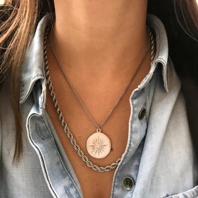 Colar medalhão | Prateado