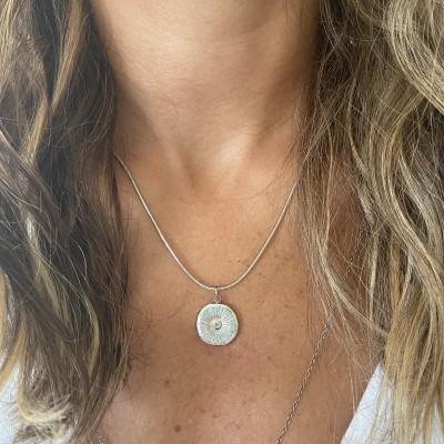 Colar Mini Medalhão | Prateada