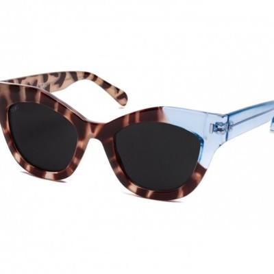 NISSA | SHINY BICOLOR WHITE TORTOISE/BLUE WITH BLACK LENSES