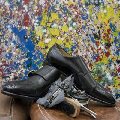 sapatos pretos double-buckle monk