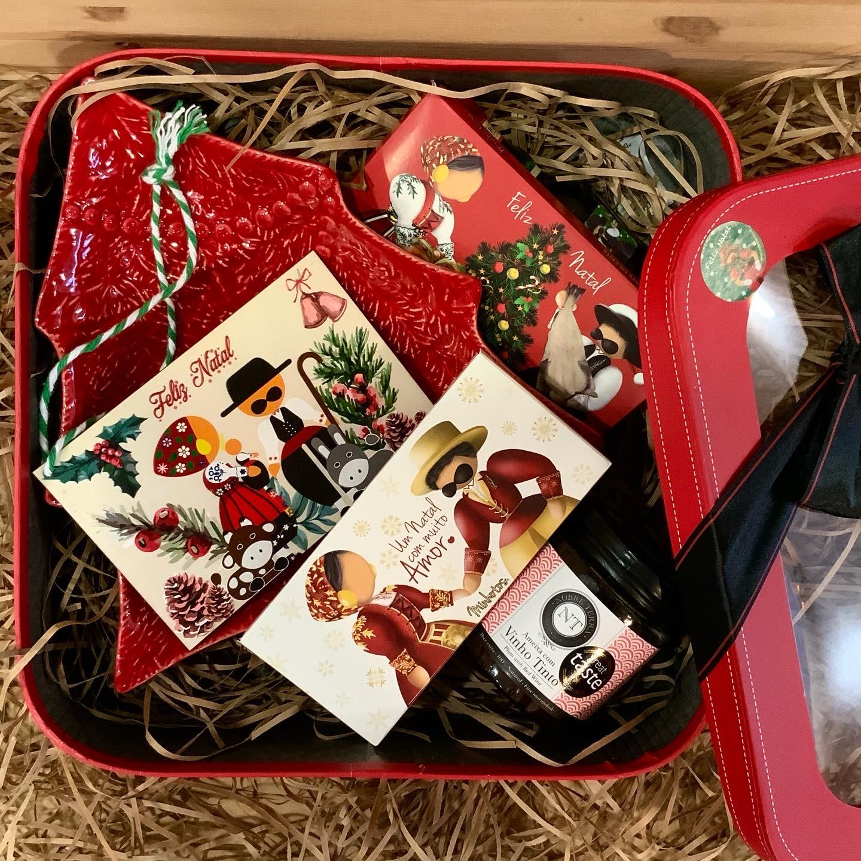 Cabaz de Natal Pinheirinho vermelho