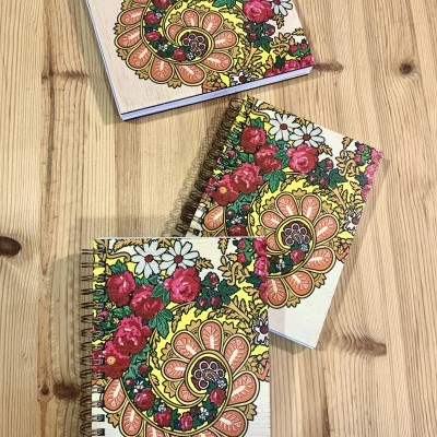 Caderno Lenço de Viana em madeira