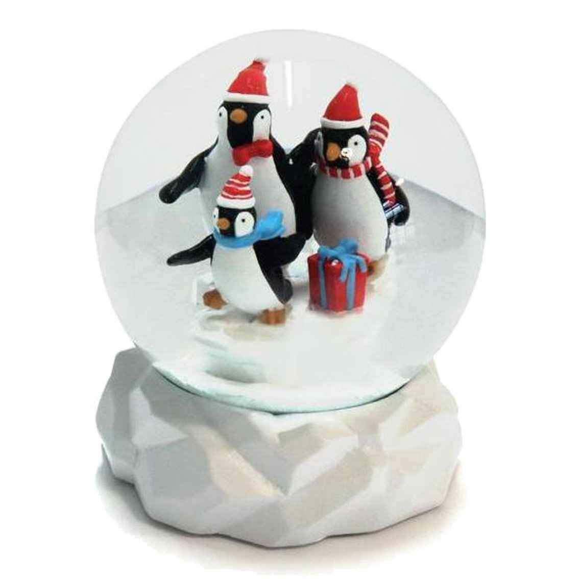 Globo Penguin Parade