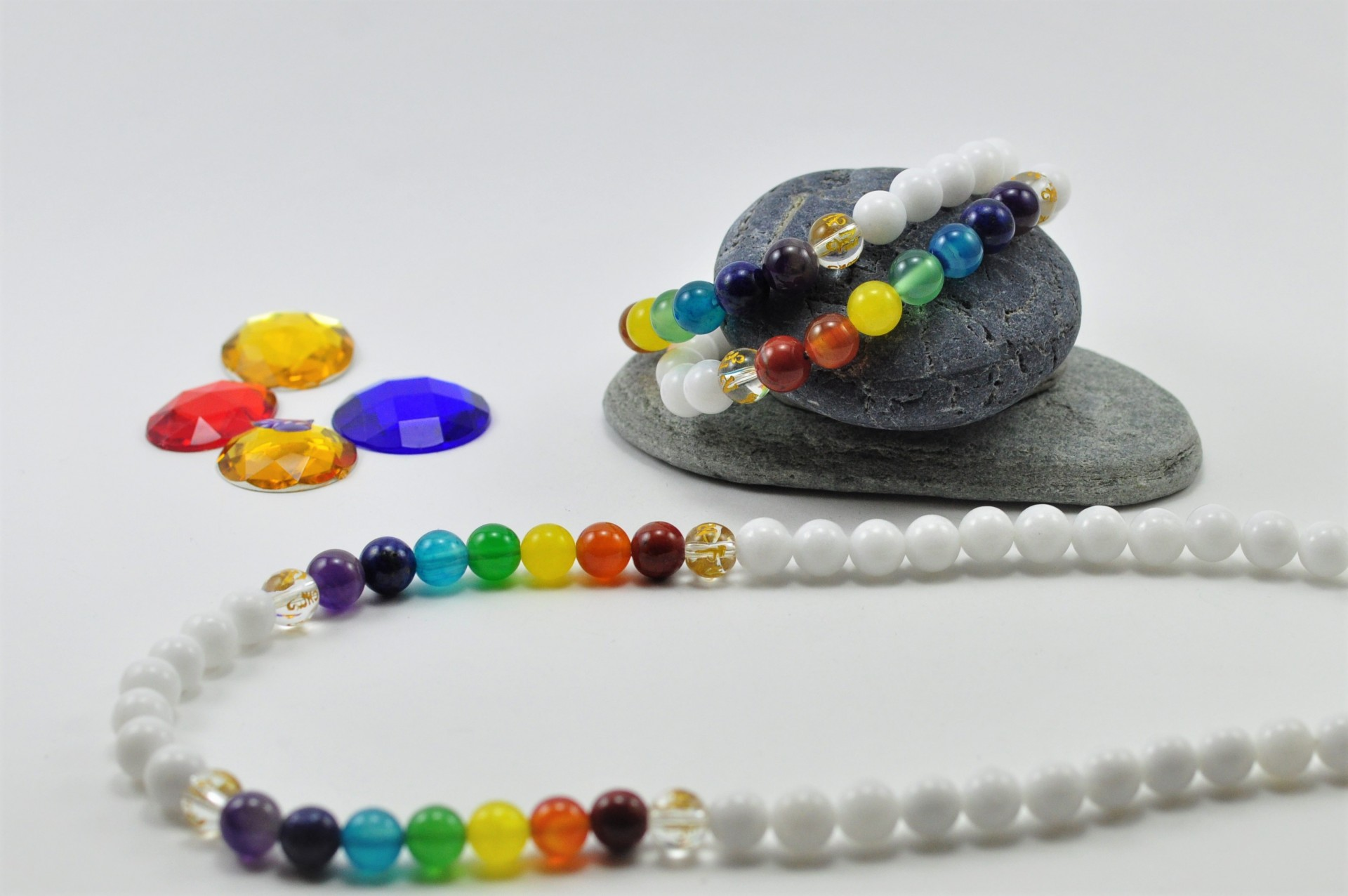 Colar e Pulseira de Jade com pedras dos Chakras e Mantra